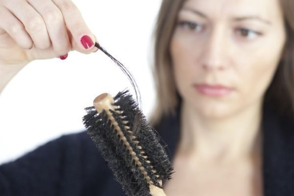 Как остановить выпадение волос у женщин при стрессе