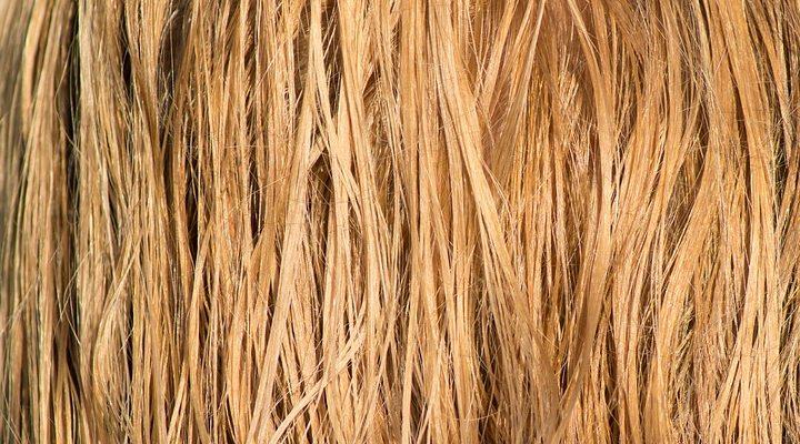 Укрепляющая маска для волос против выпадения мед яйцо