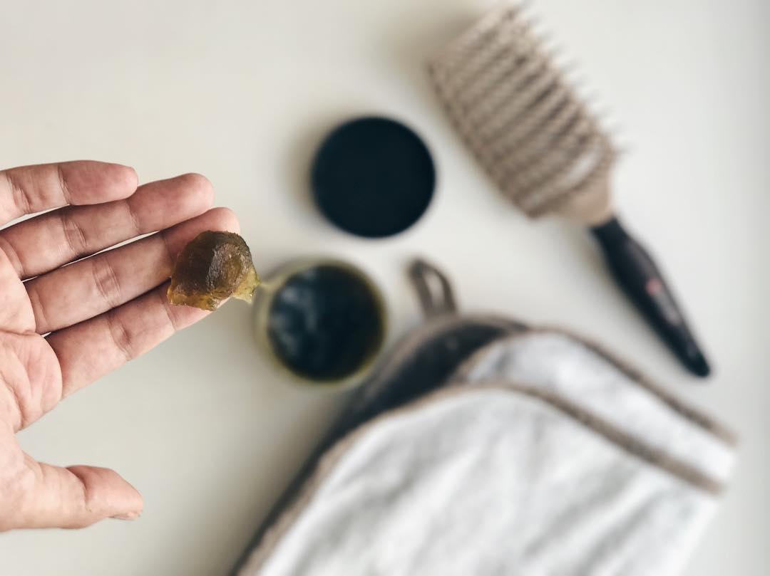 Первое с чего стоит начать активное отращивание волос - их правильное мытье. Мытье в...