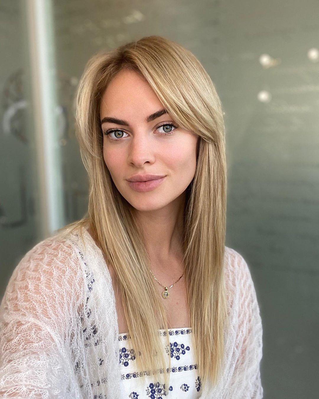 Корни волос: Как началась ваша неделя? ⠀ Моя с архитектуры бровей у   и новинки в области лечения ...