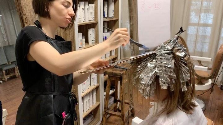 Укрепление волос: Кусочек работы в технике airtouch. ⠀ Техника позволяет добиться максимально плавного ...