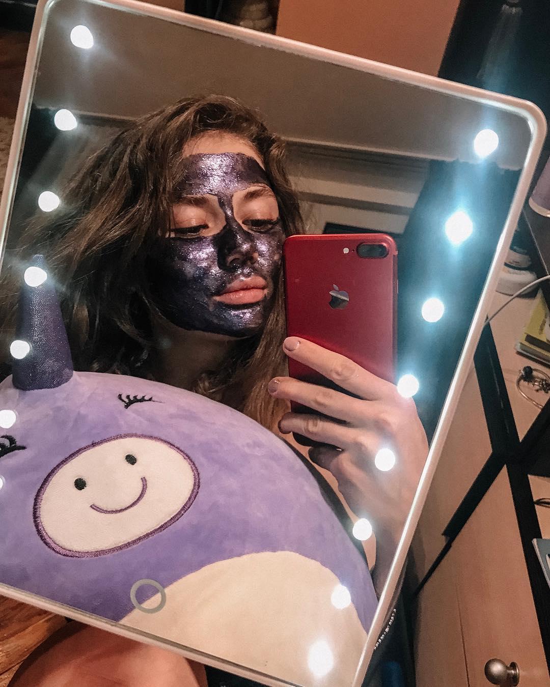 Потеря волос: Что такое маска для лица?  Маска для лица — это дополнительный интенсивный уход за ко...