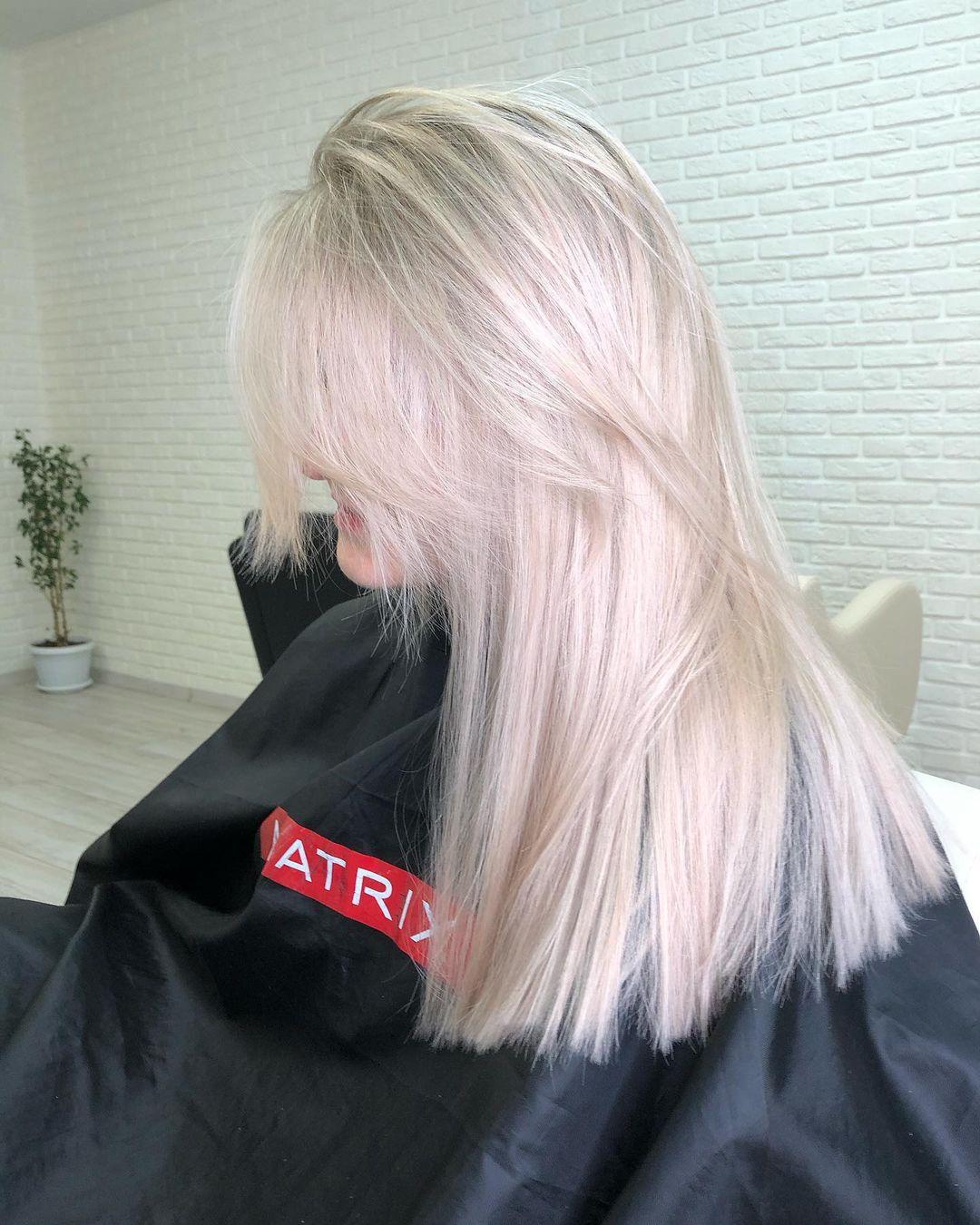 Препарат для волос: Постоянная клиенткаОсветляемся 1 раз в пол года Тот момент когда до смотрится шикарно...