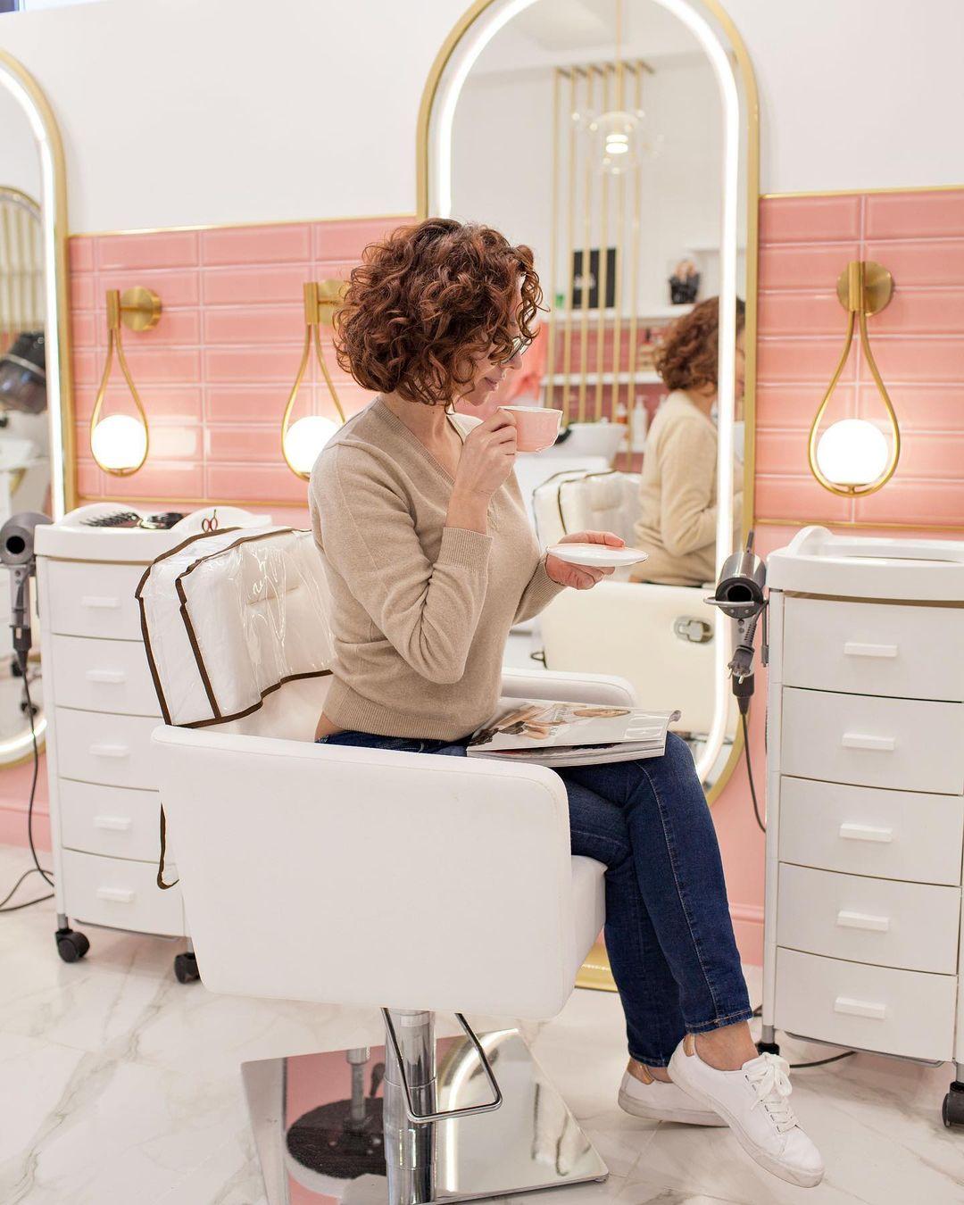 Лечение волос: Какие витамины особенно нужны вашим волосам?  Мы знаем, что рост и особенно выпадение...